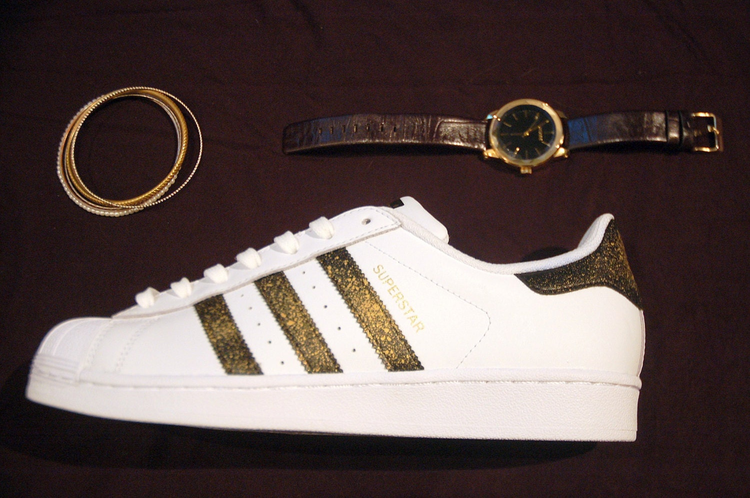 sports shoes 5afb8 dfdf0 Adidas Superstar Gold Glitter