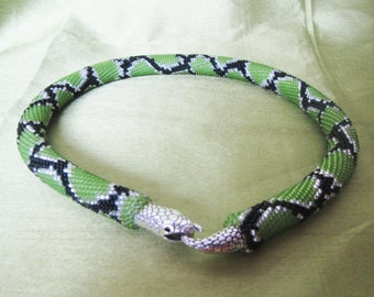 Snake necklace, Green Snake necklace, Necklace snake skin print, beaded necklace, beadwork, snake jewelry Beaded crochet necklace.