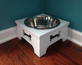 Painted Wood Medium Dog Bowl Stand with Extra-Large Stainless Bowl