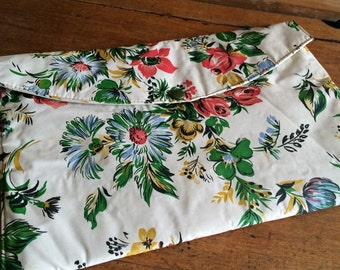 1960s cosmetic bag - toiletry bag - cosmetic purse - vanity bag - make up bag - kitsch cosmetic bag - floral bag