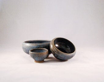 Set of 3 blue nest bowls