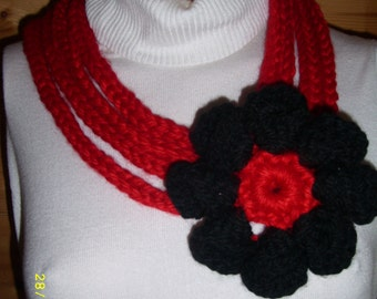 Collar with flower