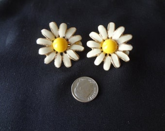 Earrings Clip- On Floral Metal Painted 1960's