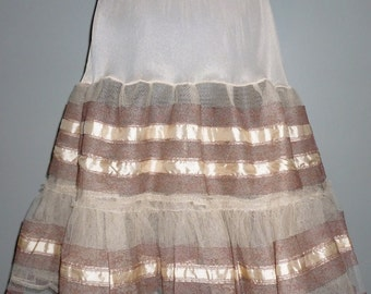 Vintage Late 1950's / Early 1960's Petticoat 8 - 12