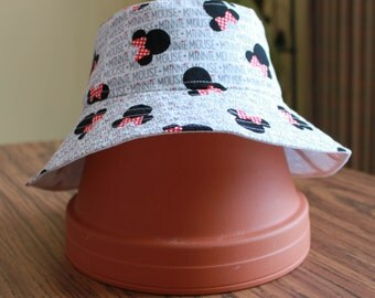 Reversible Minnie Mouse Bucket Hat