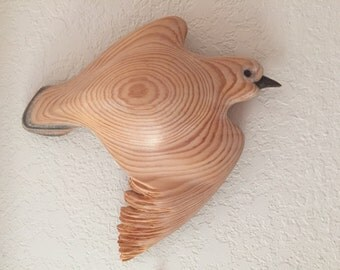 Wooden bird wall hanging