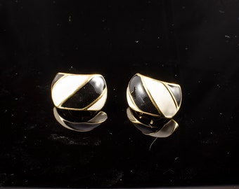 Napier vintage clip on earrings