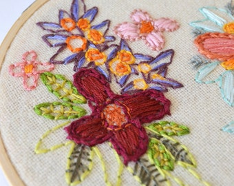 Floral Embroidery Hoop - Embroidery Hoop Art - Floral Embroidery