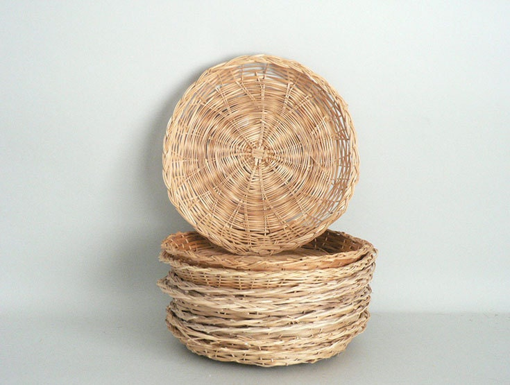wicker picnic paper plate holders set of ten. Black Bedroom Furniture Sets. Home Design Ideas