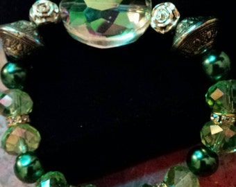 Green Glass Beaded Bracelet