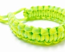 Paracord Survival Bracelet - Survival Bracelet - Survivor Bracelet - Paracord Bracelet - Men's Bracelet - Silver Pattern
