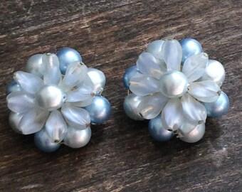 blue art deco vintage clip on earrings, light blue earrings, vintage earrings, clip on earrings for women