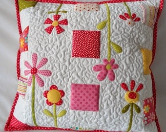 """Flowers"" quilt pillow case"