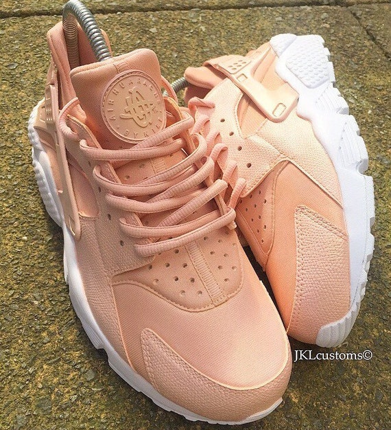 ... discount rose gold pearlescent nike air huarache white sole rose gold nike  huaraches rose gold shimmer 2250b6e64