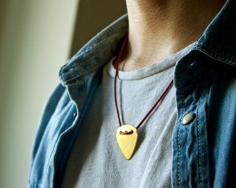 Guitar Pick Necklace (Gold)