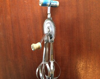 1921 vintage Ladd brand egg beater with ball bearings