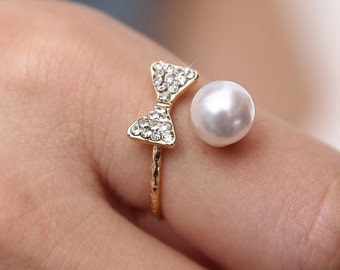 Bow Pearl Ring