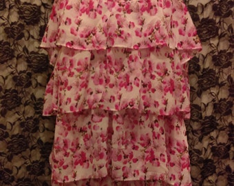 Vintage Floral  2 pieces Negligee Size Large and fit Medium also.