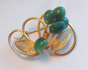 Vintage, green brooch, green agate pin, green pin, vintage pin, vintage brooch, pin, agate pin, wedding, bride, bridal, wedding jewelry, pin