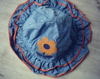 /Bob baby vintage hat. Pretty retro flower. 12-18 months baby hat.
