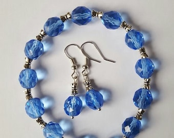 Bead bracelet with matching earrings