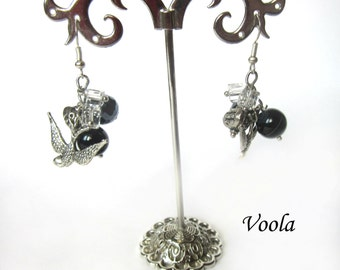 Pendant earrings of agate and metal birds. Agate earrings. Black Agate. Earrings with black agate. Earrings with birds.