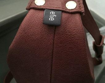 Learn brown red shoulder bag