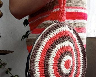 crochet round wristlet