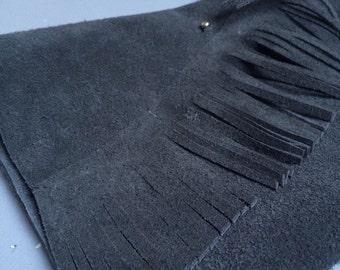 Black leather handbag: Outsidein