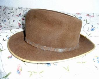 Suede hat, original 30erJahre, type: