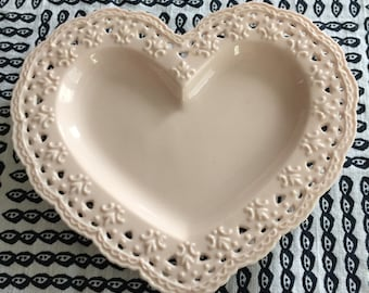 Skye Mcghie Heart shaped dish. Cream Lace