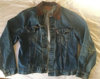 Vintage levi's denim levis jean jacket with leather collar // size 42