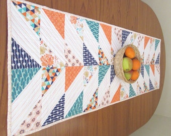 Table runner, Quilted patchwork table runner, Modern bright runner, Sunset and marine colours, Kitchen table runner, chevron pattern