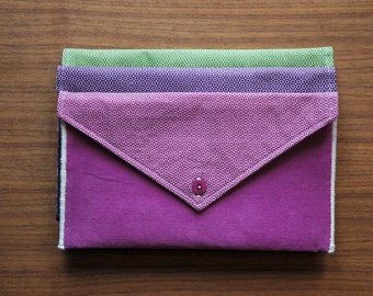 Small pouch style pink envelope/handbag / made in Québec from recycled and reclaimed materials