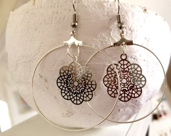 Creole earrings lace prints