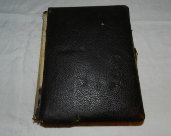 """Vintage Empty Photo album to be fixed up or use - to Refurbish - Album is about 11"""" X 8.75"""" X 2 3/8""""                                   39-13"""