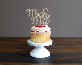 Cupcake toppers wedding, wedding cupcake toppers, bridal shower decorations, wedding cupcake toppers, engagedment party cupcake