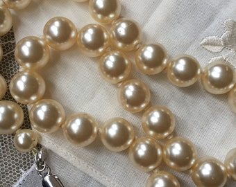 Vintage M and S Pearl Choker
