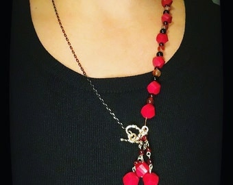 Necklace red and chain
