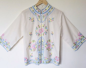 Oriental/Chinese floral embroidery shirt/top/blouse