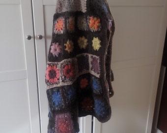 The granny square cape