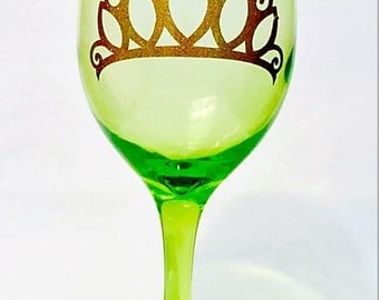 Princess Tiana // Princess and the frog// Tiara //crown //wine glass