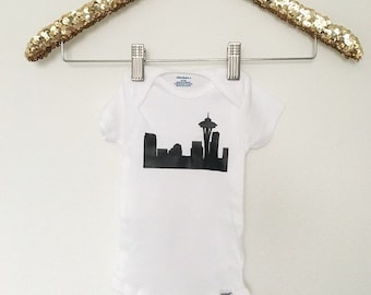 SEATTLE SKYLINE onesie Baby Outfit Gold  Shirt Baby Clothes Baby Shower Gift Shirt