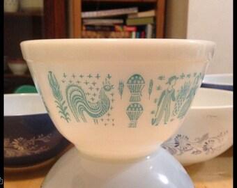 Vintage Pyrex Amish Butterprint Bowl