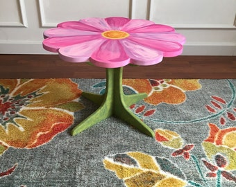 "Floral Fantasy Table (16"" tall)"