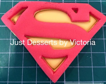 Superman logo Gumpaste topper