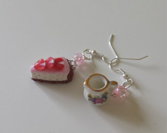 Strawberry cheesecake with cream earrings