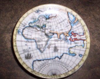 Geographic Collectible Miniature Plates