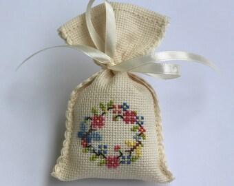 Lavender Scented Sachets, Scented Bags, Wreath Motif Favors Sachets, Cross Stitch Favor Sachet, Cross Stitched Scented Sachets