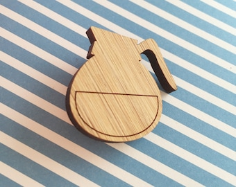 Coffee pot pin / coffeepot broche - koffiepot - lasercut out of bamboo